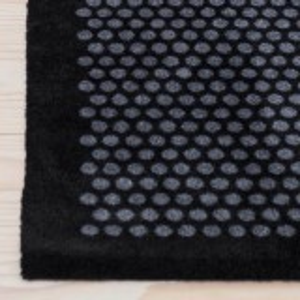 Tica dørmåtte, 67x120 - Prikker, sort/grå
