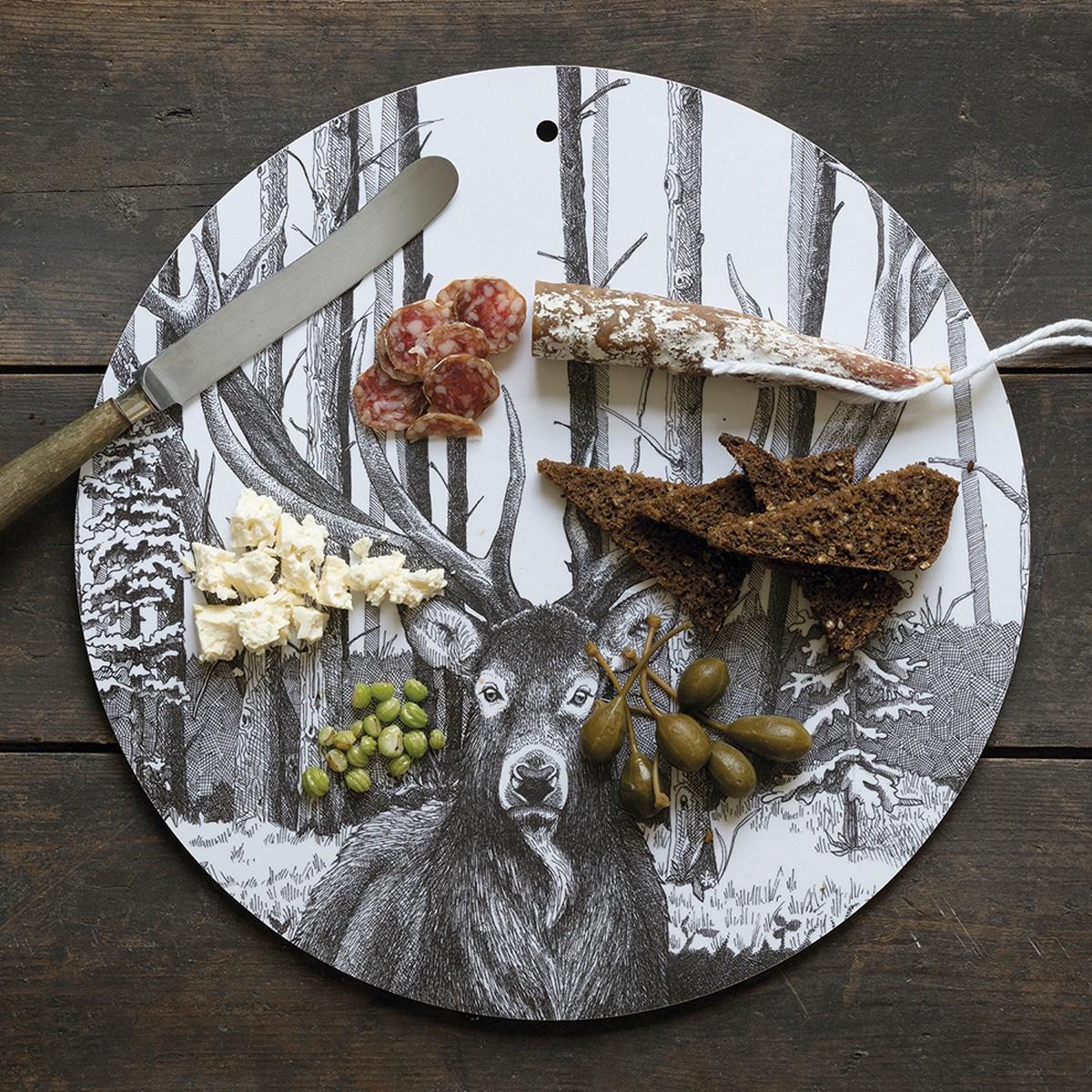 Koustrup & Co. skærebræt/vægdekoration - hjort/ravn