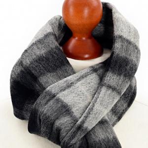 Tweedmill tørklæde i lammeuld - Grey Buchanan