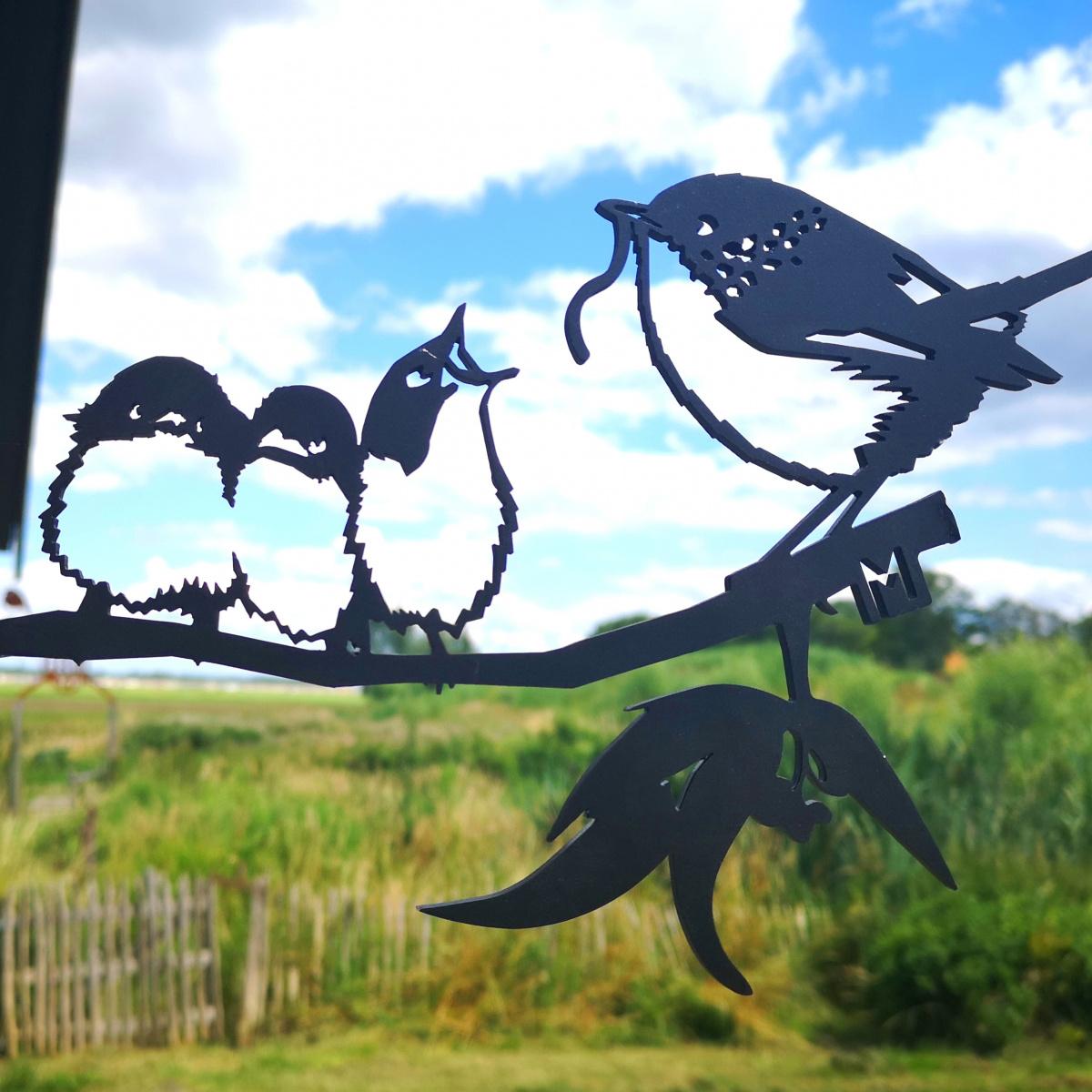 Metalbird fugl i cortenstål - gærdesmutte m. unger